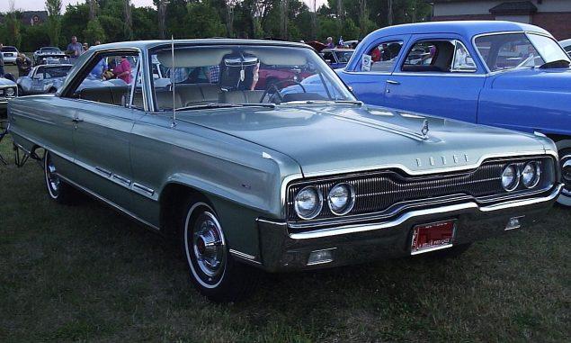 1280px-'66_Dodge_Polara_Coupe_(Auto_classique_VAQ_Mont_St-Hilaire_'11)