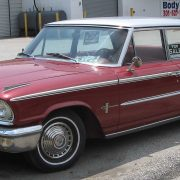 1920px-1963_Ford_Galaxie_sedan_2_–_06-05-2010