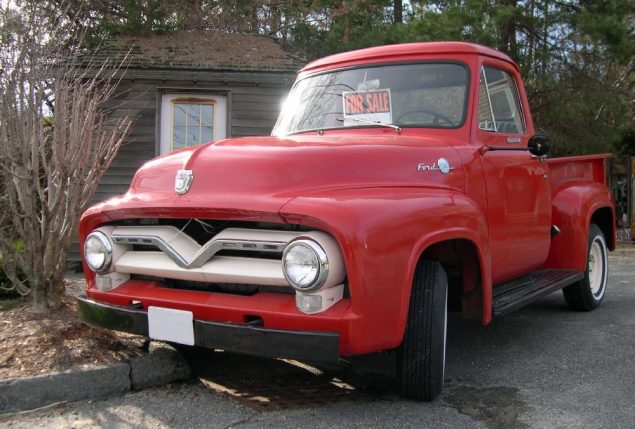 1955_Ford_F-100_front